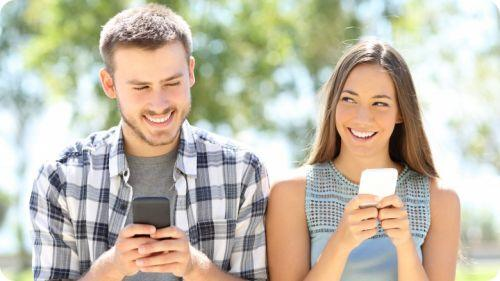 how to make a guy fall in love with you over text messages